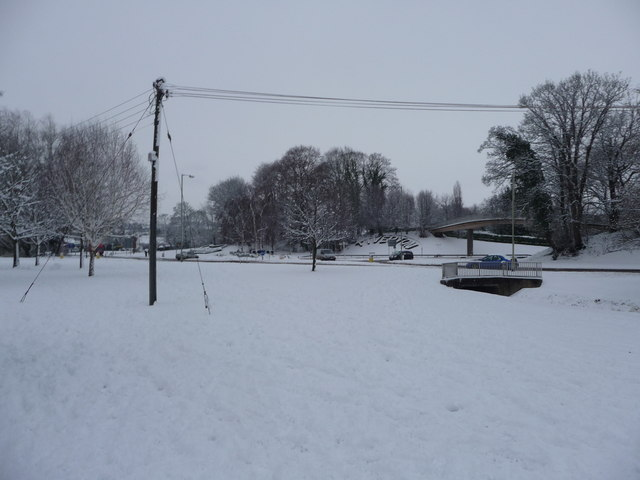 Tiverton : Grass & Snowy Scene