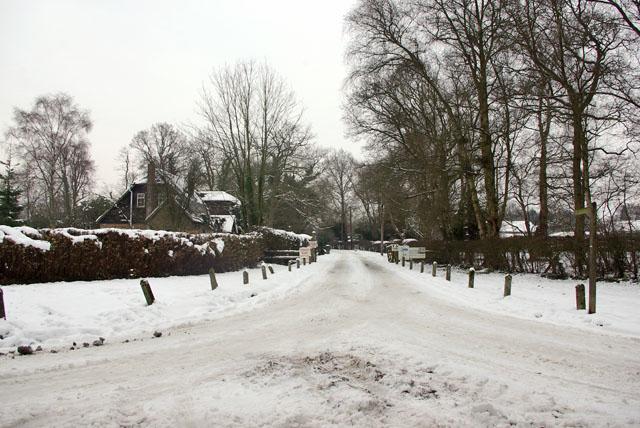 Private road, public footpath