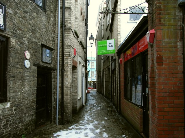 Church Lane leading to the High Street
