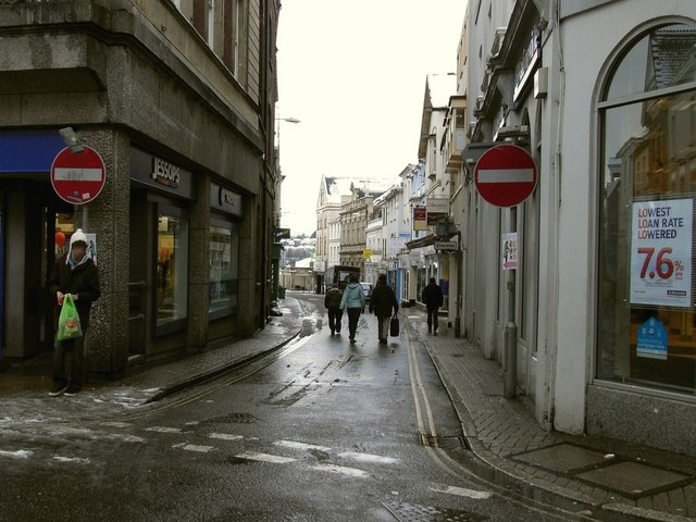 Cross Street leading away from the High Street towards The Strand