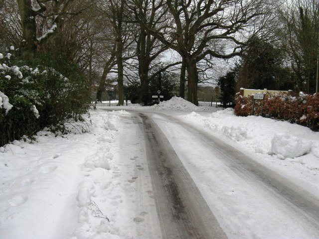 Road junction at the SE end of Duke's Road