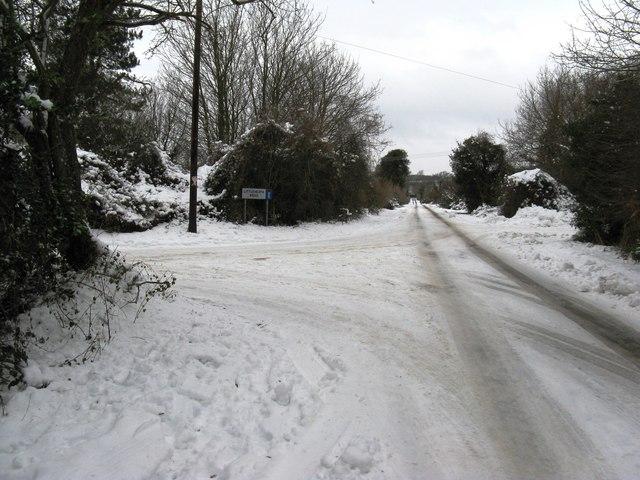 Duke's Road junction with Littleheath Road