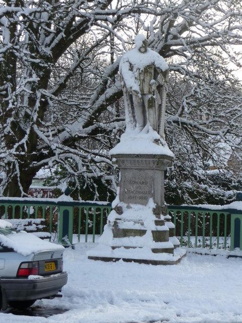 Tiverton : Edward the Peacemaker Statue