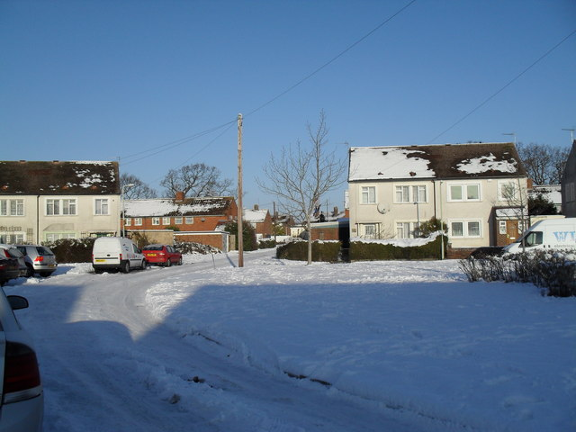 A crisp cold day in Eversley Crescent