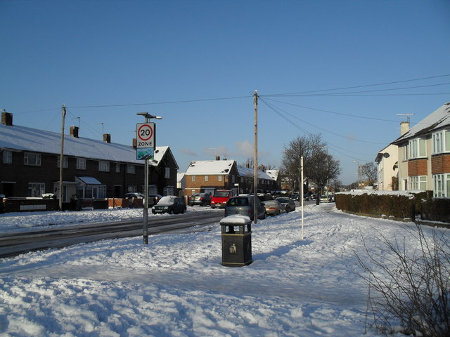 Bottom end of a snowy Botley Drive