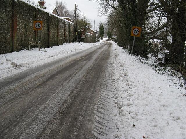 Britten's Lane entering Eartham