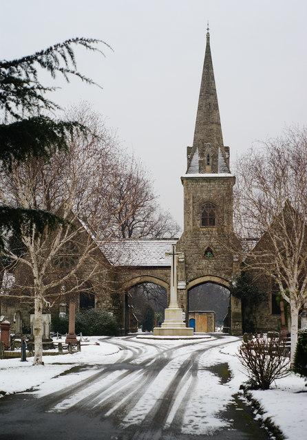 Queen's Road Cemetery, Croydon, in Winter (1)