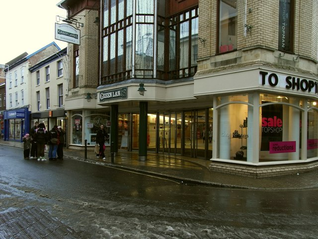 One of four entrances to the Green Lanes Shopping centre