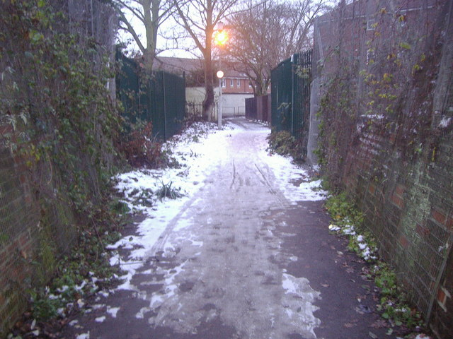 Footpath to Beresford Road