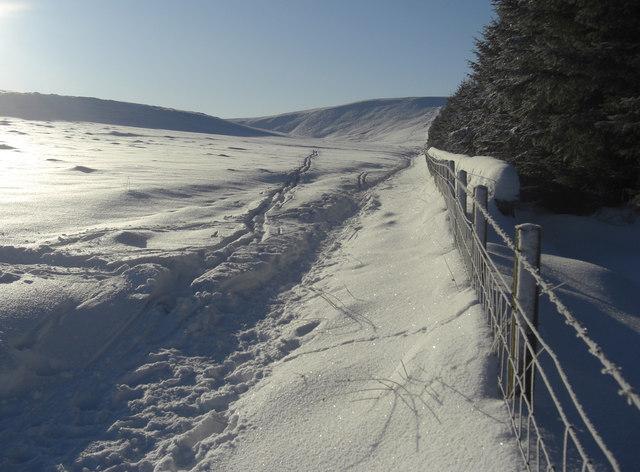 Track to Glencorse