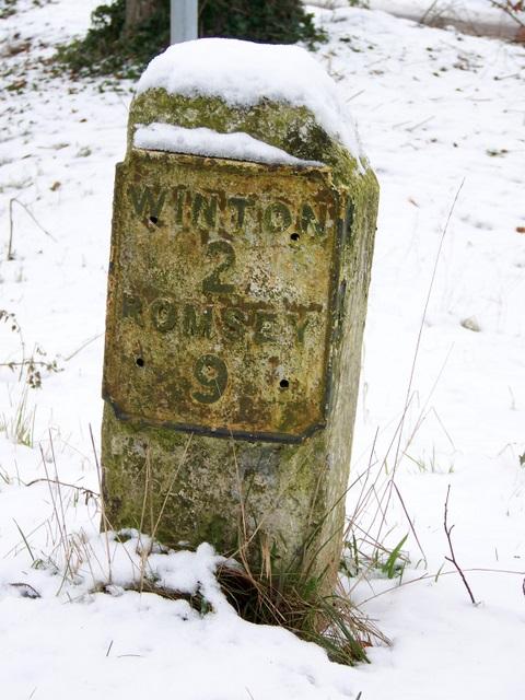 Milestone near Oliver's Battery