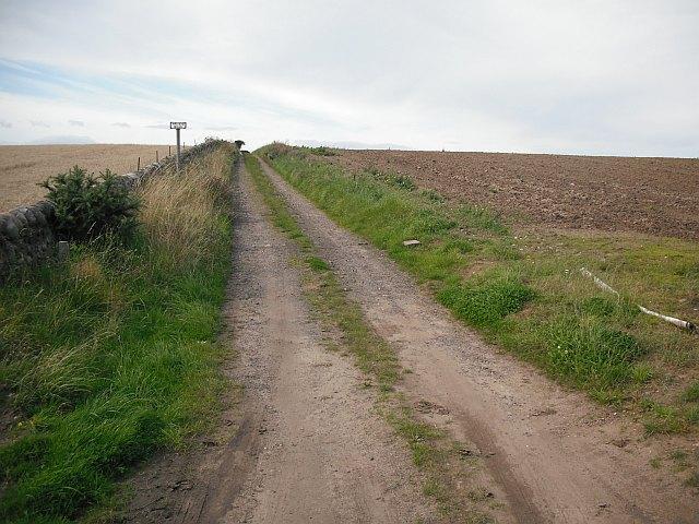 Road to Craigmill