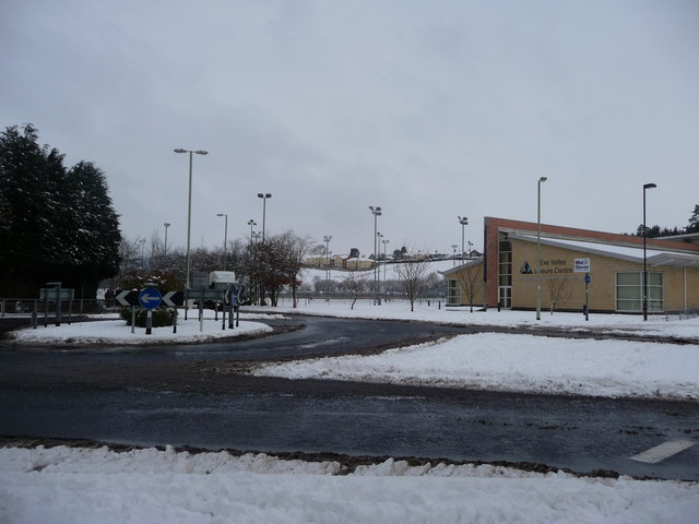 Tiverton : Bolham Road Roundabout & Exe Valley Leisure Centre