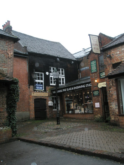 The Arundel Fine Glass and Engraving Studio
