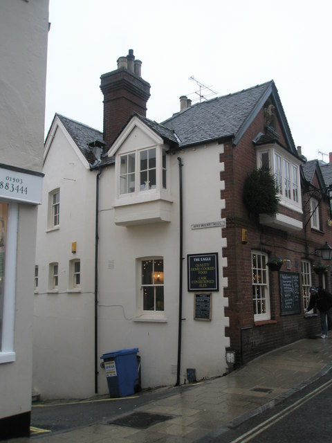 Approaching the junction of Tarrant Street and Brewery Hill