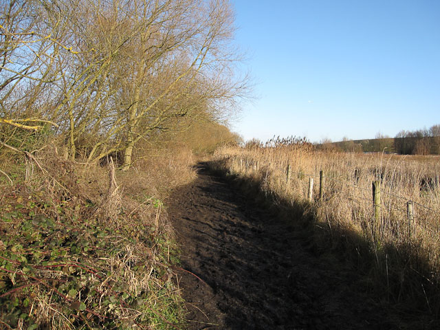 Footpath from Staines Moor to Stanwell Moor