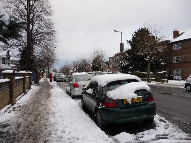 Avenue Road, London N14