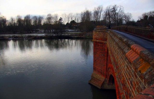 Clifton Hampden Bridge over the Thames