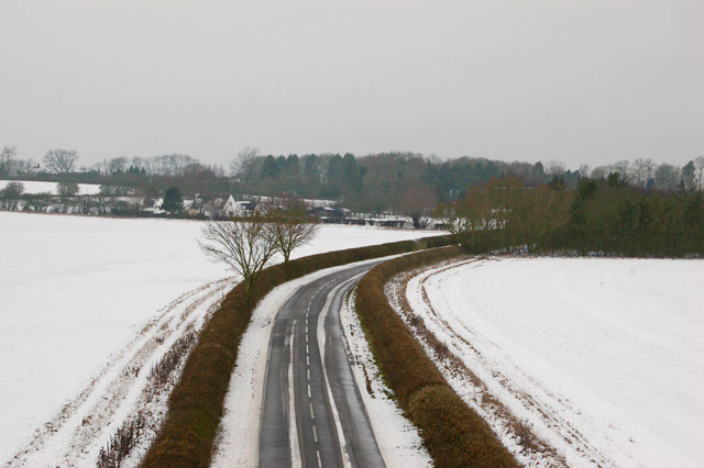 Lane to Hunningham Hill in the snow