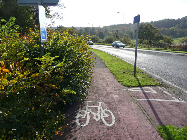 Cycle path on A82 nr Arden roundabout
