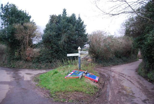 Lane junction, Higher Doverhay