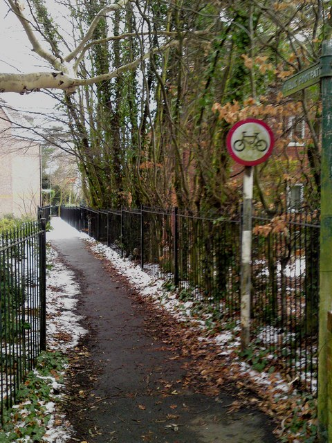Public Footpath from Providence Hill to the Bursledon Green Estate