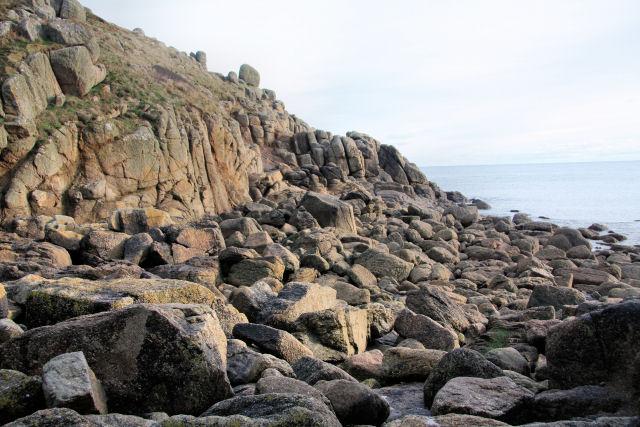 Shoreline at Carn Scathe
