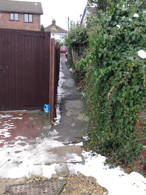 This little public footpath in Spring Grove leads to Portsmouth road