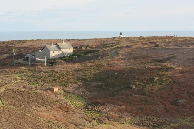 Cottages near Gwennap Head