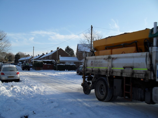 Passing gritter in High Lawn Way