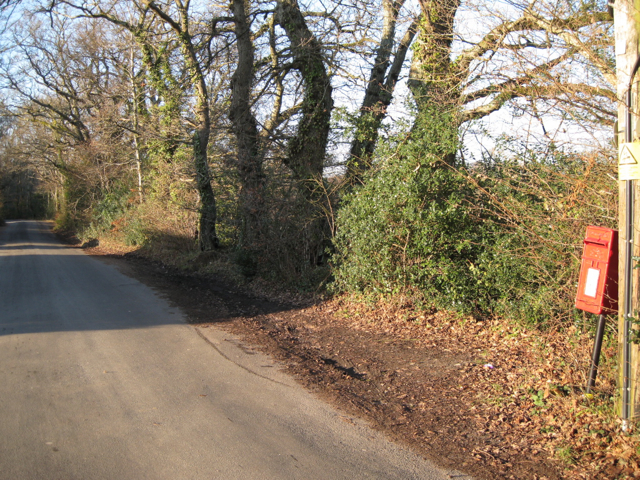 Minor road near Heathfield Cottages