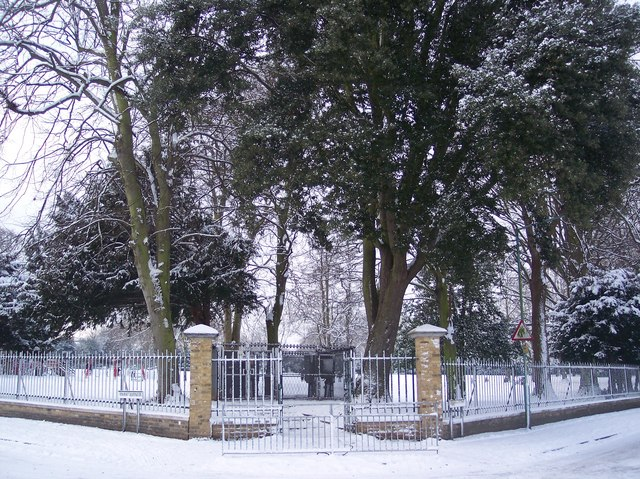Entrance to Gillingham Park