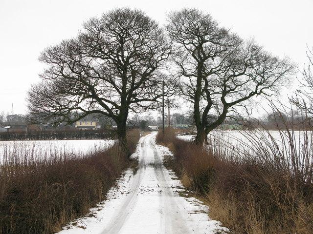 Entrance to Station Farm