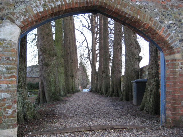 Great Shefford: Entrance to St Mary's Church