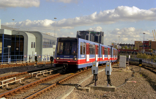 Docklands Light Railway, Poplar