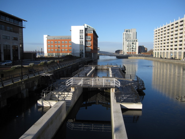 Liverpool Canal Link - Princes Dock lock completed
