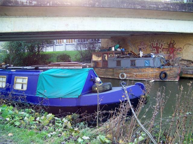Hiding under the bridge, Bradford-on-Avon
