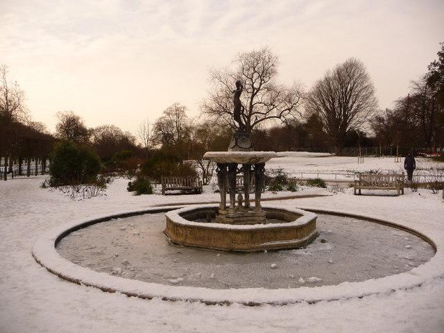 Hyde Park: a frozen fountain