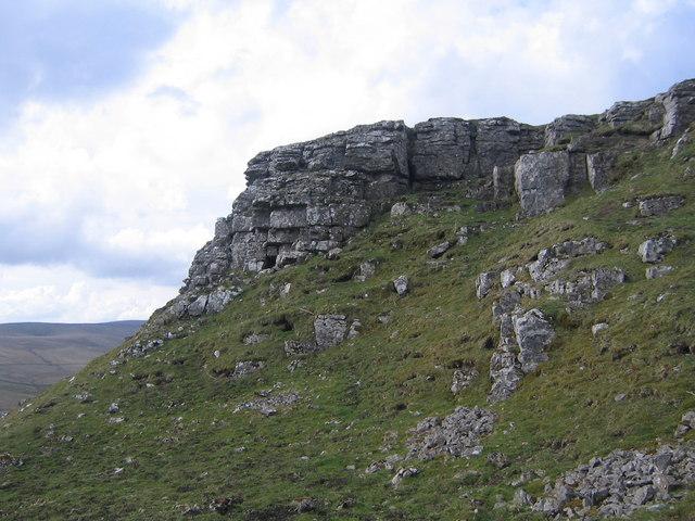 Rock outcrop at High Hurth Edge