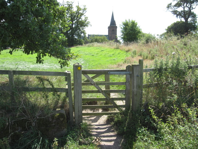 Footpath gate to Aldford
