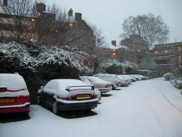 Snowscene in Bessborough Place