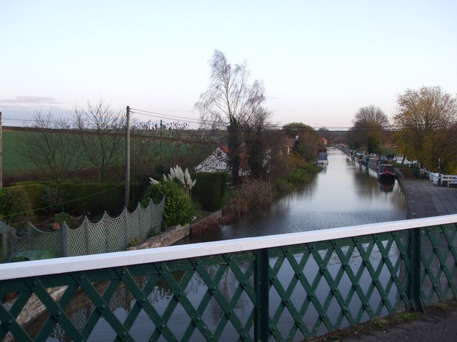 The Chesterfield Canal, Clayworth