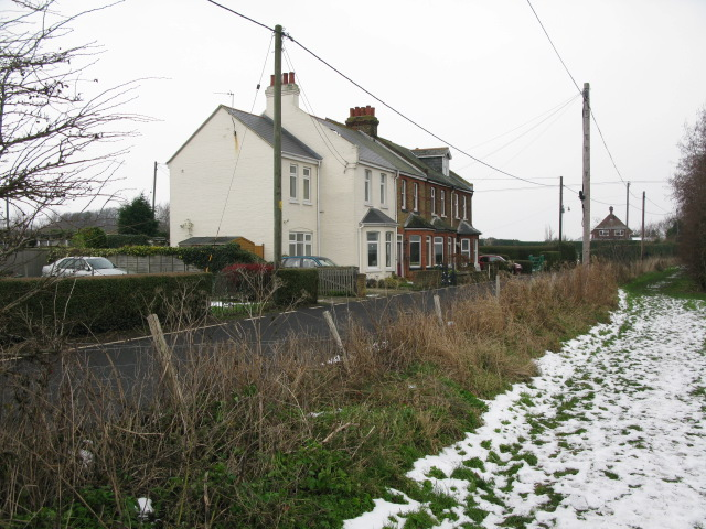 Houses along the Marshborough Road