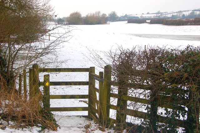 Gate onto footpath north of Birdingbury