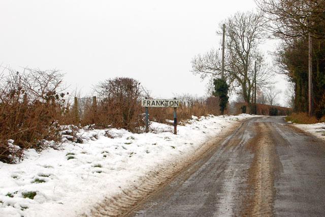 Snow on the approach to Frankton from Birdingbury