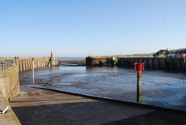 Low tide, Watchet Harbour