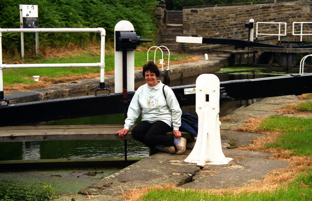 Riddings Lock No 6, Huddersfield Broad Canal