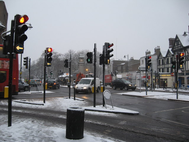 Junction of Clapham High Street (bottom right of picture) with Clapham Park Road (left side) and Clapham Common South side 9to l
