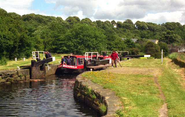 Kirklees Top Lock, Calder and Hebble Navigation