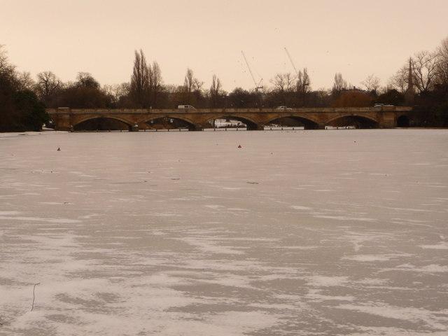 Hyde Park: frozen Serpentine and the bridge